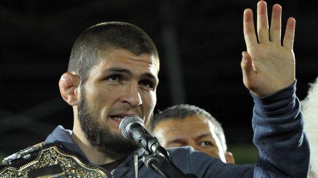 Khabib menolak melakukan kampanye anti-perundungan dan rela dihukum sembilan bulan.