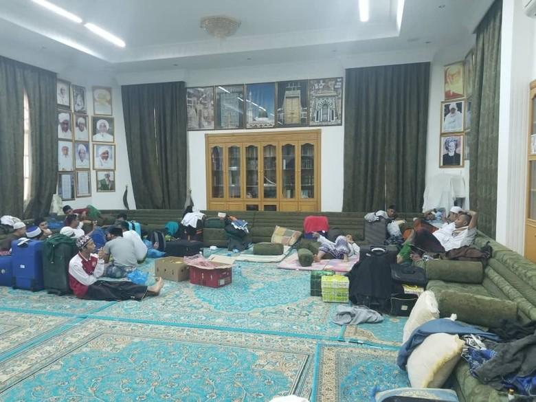 Setelah Tertahan di Oman, 160 Pelajar RI Menyeberang ke Yaman