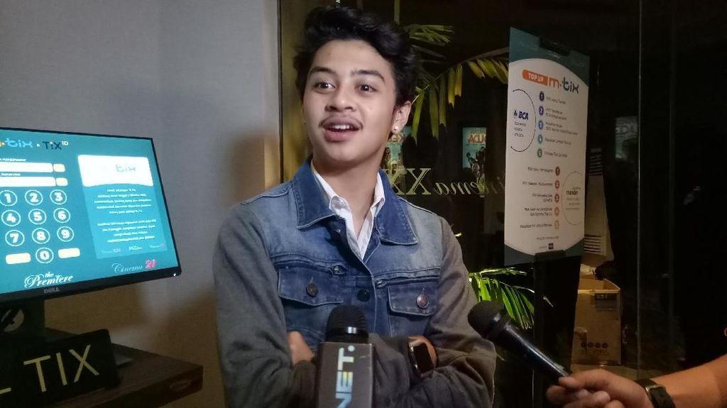 Tahun Baru, Bastian Steel Liburan ke Lombok Bareng Sahabat