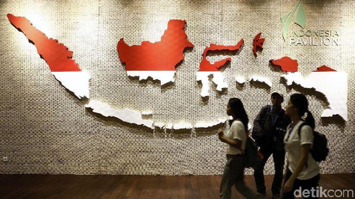 Kementerian Badan Usaha Milik Negara (BUMN) melalui Indonesia Pavilion ingin menggambarkan berbagai peluang investasi di Indonesia dari berbagai sektor.