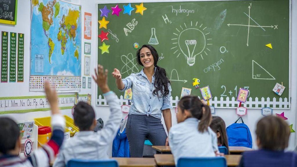 Peran Guru dalam Membentuk Karakter Seorang Anak