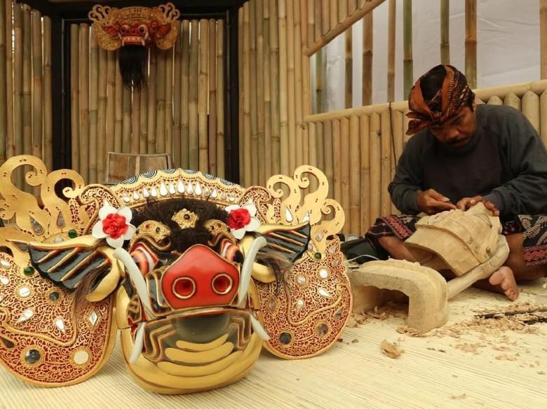 Topeng Barong Bali yang Mendunia Hadir di Indonesia Pavilion