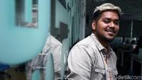 Ahmad Abdul Suka Main Alat Musik Aneh Pakai Kaki