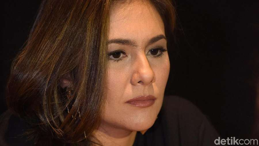 Close Up! Wajah Wulan Guritno