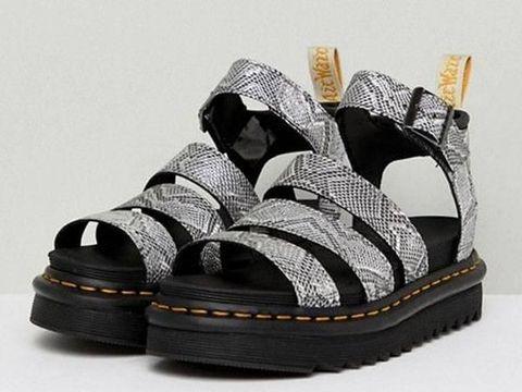 5 'Ugly Sandals' yang Justru Bikin Penampilan Lebih Stylish