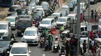 Kredit Motor dan Mobil Tanpa DP Bisa Bikin Jalan Tambah Macet