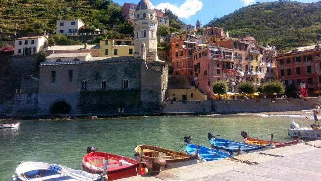Cantiknya Desa Nelayan di Italia