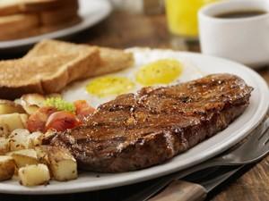 Sarapan dengan Lauk Daging dan Ikan Terbukti Bikin Tubuh Lebih Bugar