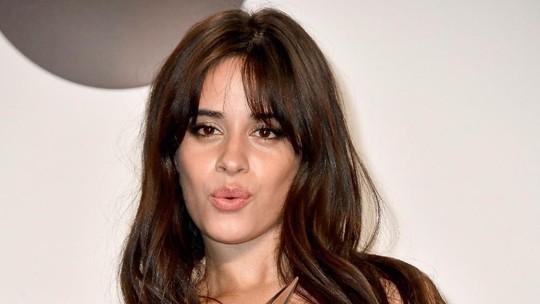 AMA Oh Na Na.. Camila Cabello Sabet 4 Piala American Music Awards 2018
