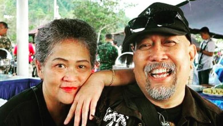 Janji Manis Indro Warkop dan Anak untuk Mendiang Istri/ Foto: Instagram