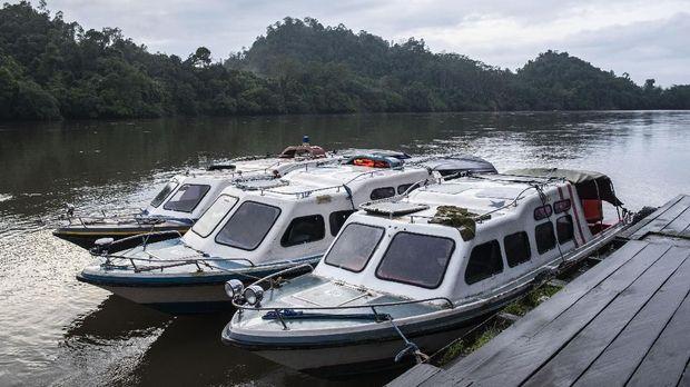 Wilayah Pulau Sebuku hanya bisa dijangkau dengan perahu.