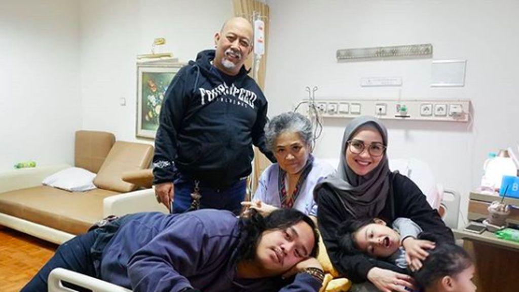 Putri Indro Warkop Kenang Masa-masa Saat Rawat Mendiang Ibunda