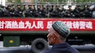 China Dilaporkan Lakukan Pemindahan Massal Tahanan Muslim Uighur