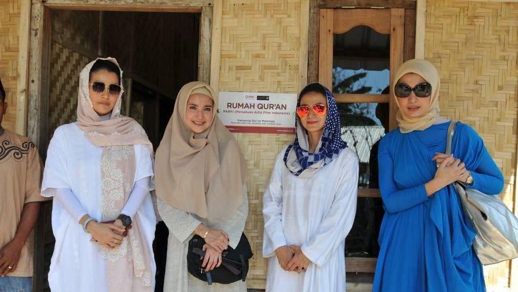 Marcella Zalianty Cs Bantu Bangun Rumah Bagi Korban Gempa Lombok