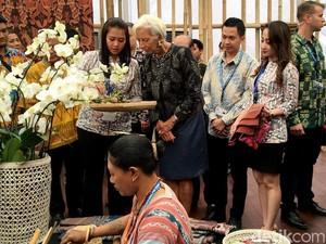 Tenun Maumere Jadi Primadona di Pertemuan IMF-WB 2018 Bali