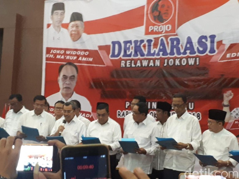 Mendagri Direkomendasikan Sanksi 11 Kepala Daerah Riau Pro-Jokowi