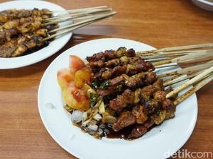Nostalgia dengan Makanan Populer di Jakarta, Soto, Sate hingga Asinan