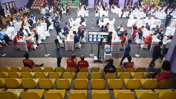 Catur menjadi cabang pendulang emas terbanyak untuk Indonesia di Asian Para Games 2018.