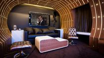 Foto: Kamar Hotel Unik Bertema James Bond
