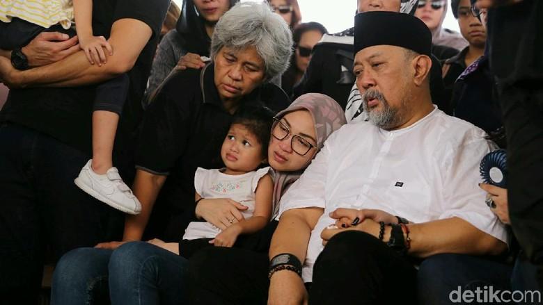 Bali Jadi Saksi Bisu Kenangan Indro Warkop Bersama Sang Istri