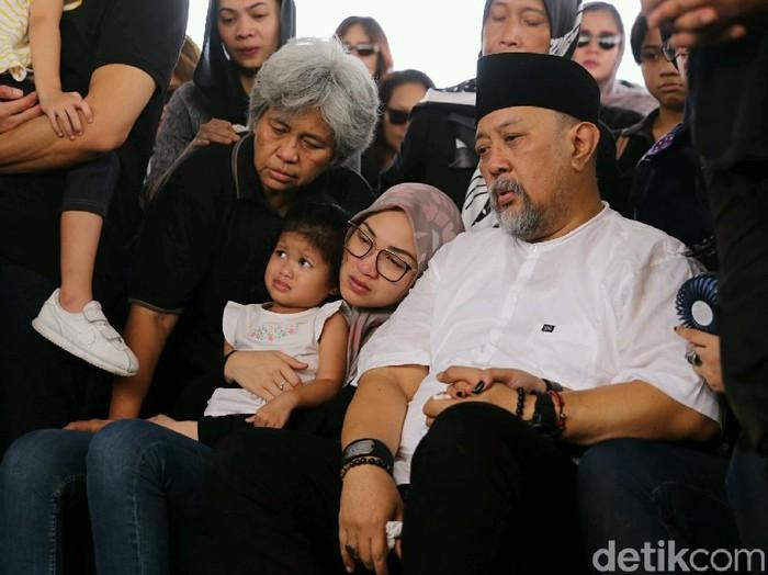 Duka Istri Indro Warkop Dan Saleem Iklim Augie Fantinus Jadi