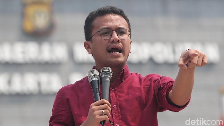 Tim Prabowo Soal Tantangan Imami Salat: Jangan Tanya Private di Publik