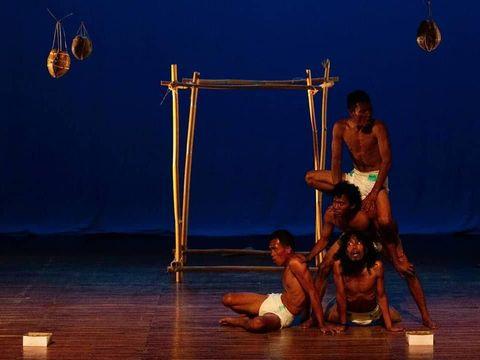 Komunitas Polelea Sigi Bawakan Song'i di Panggung Pekan Teater Nasional