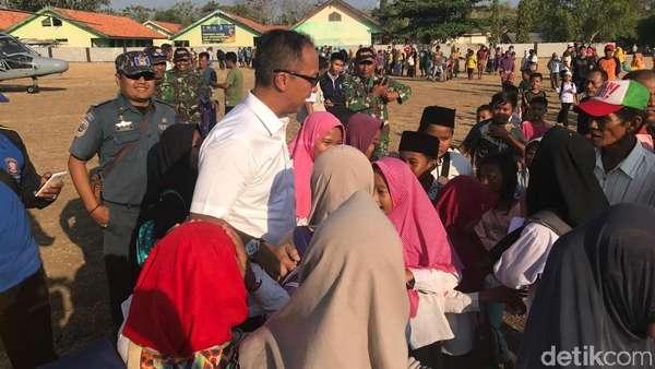 Mensos Tiba di Pulau Sapudi yang Kena Dampak Terparah Gempa Situbondo