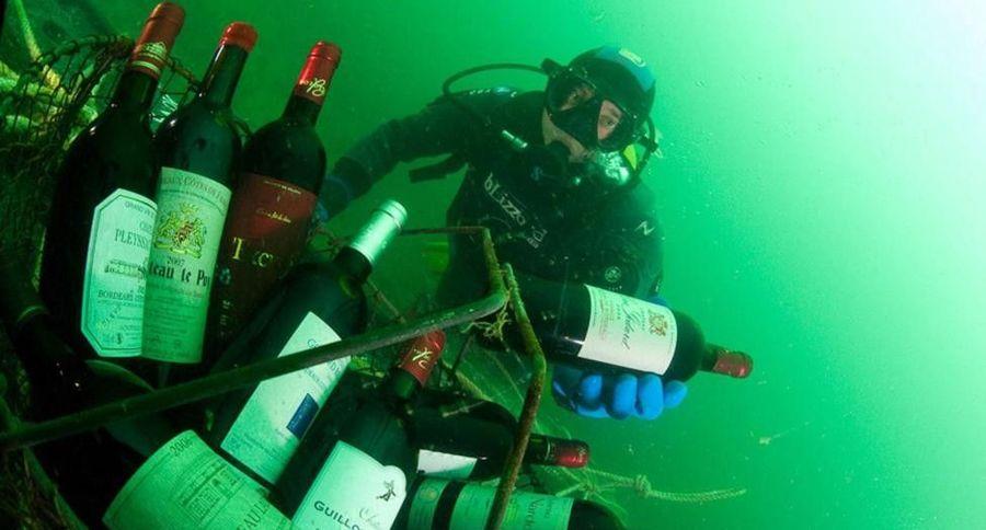 Tradisi menaruh wine di dalam laut itu ada di Kota Saint Malo, 420 km dari Paris, Prancis. Ini adalah untuk proses memperoleh rasa asin dalam wine (Emmanuel Donfut/Balao/BBC Travel)
