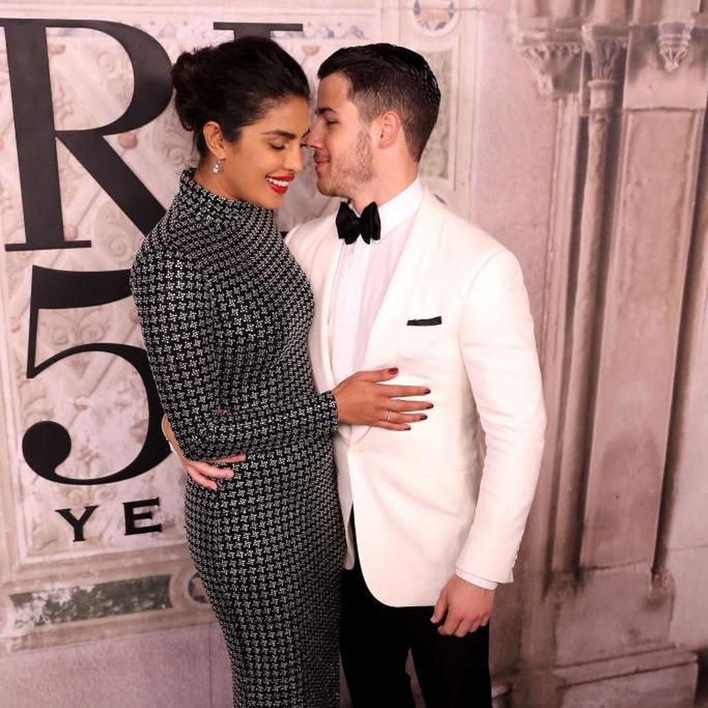 Priyanka Chopra-Nick Jonas Dikabarkan Menikah di Istana India