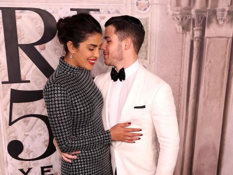 Priyanka Chopra dan Nick Jonas Disebut Sudah Daftarkan Pernikahan