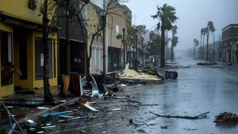 Topan Michael Badai Neraka Terjang Florida, Beberapa Orang Tewas
