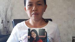 Ibu Ini Terus Cari Putrinya yang Hilang di Desa yang Ditelan Bumi