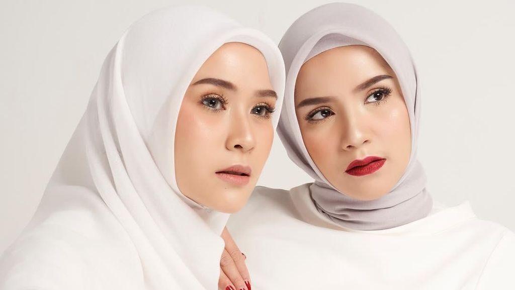Foto: Gaya Hijab untuk Badan Mungil Ala Kakak Zaskia Adya Mecca