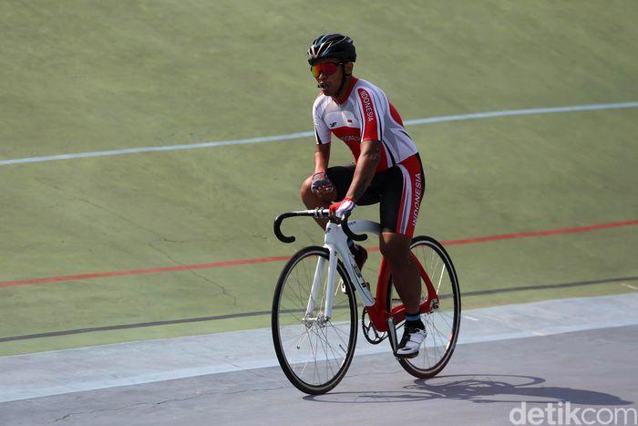 Tryagus sedang menjalani latihan persiapan Asian Para Games di Velodrome Manahan, Solo, Sabtu (21/9/2018) lalu