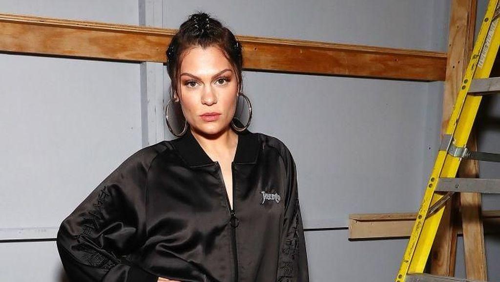 Usai Ngaku Tak Bisa Punya Anak, Jessie J Dibanjiri Dukungan Fans