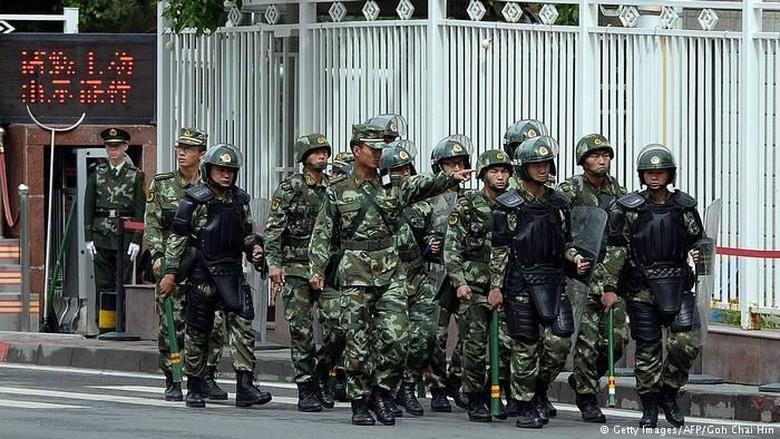 Dalih Melawan Ekstremisme, China Gelar Kampanye Anti-Halal di Xinjiang