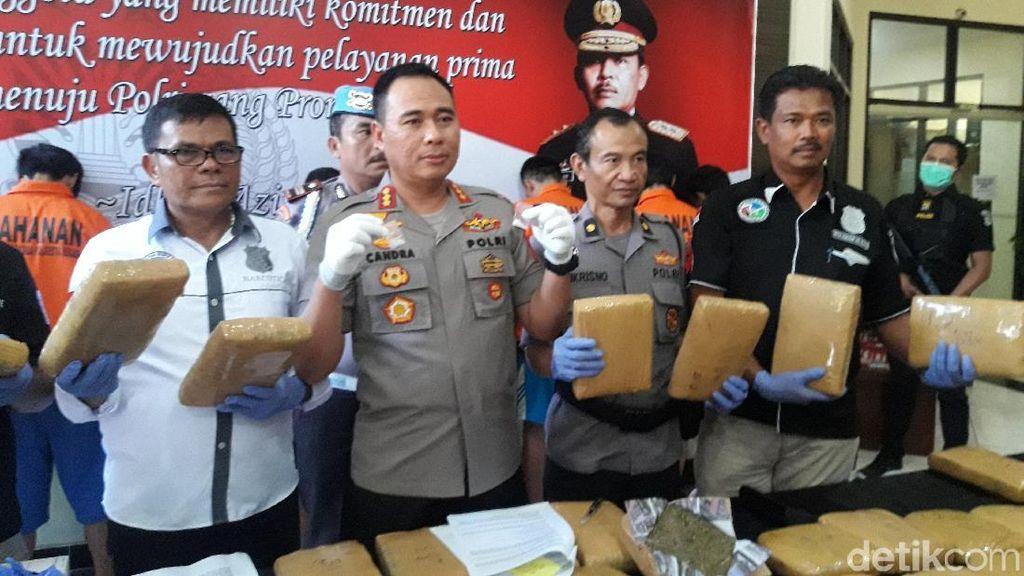 Polisi Tangkap Pengedar Ganja yang Libatkan Napi di Bekasi