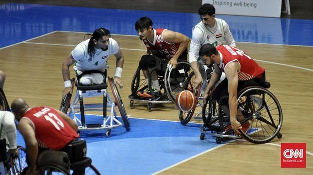 Bola basket kursi roda punya tingkat kesulitan yang tinggi karena atlet harus menggerakan kursi roda, mendribble bola, dan melakukan tembakan ke ring.