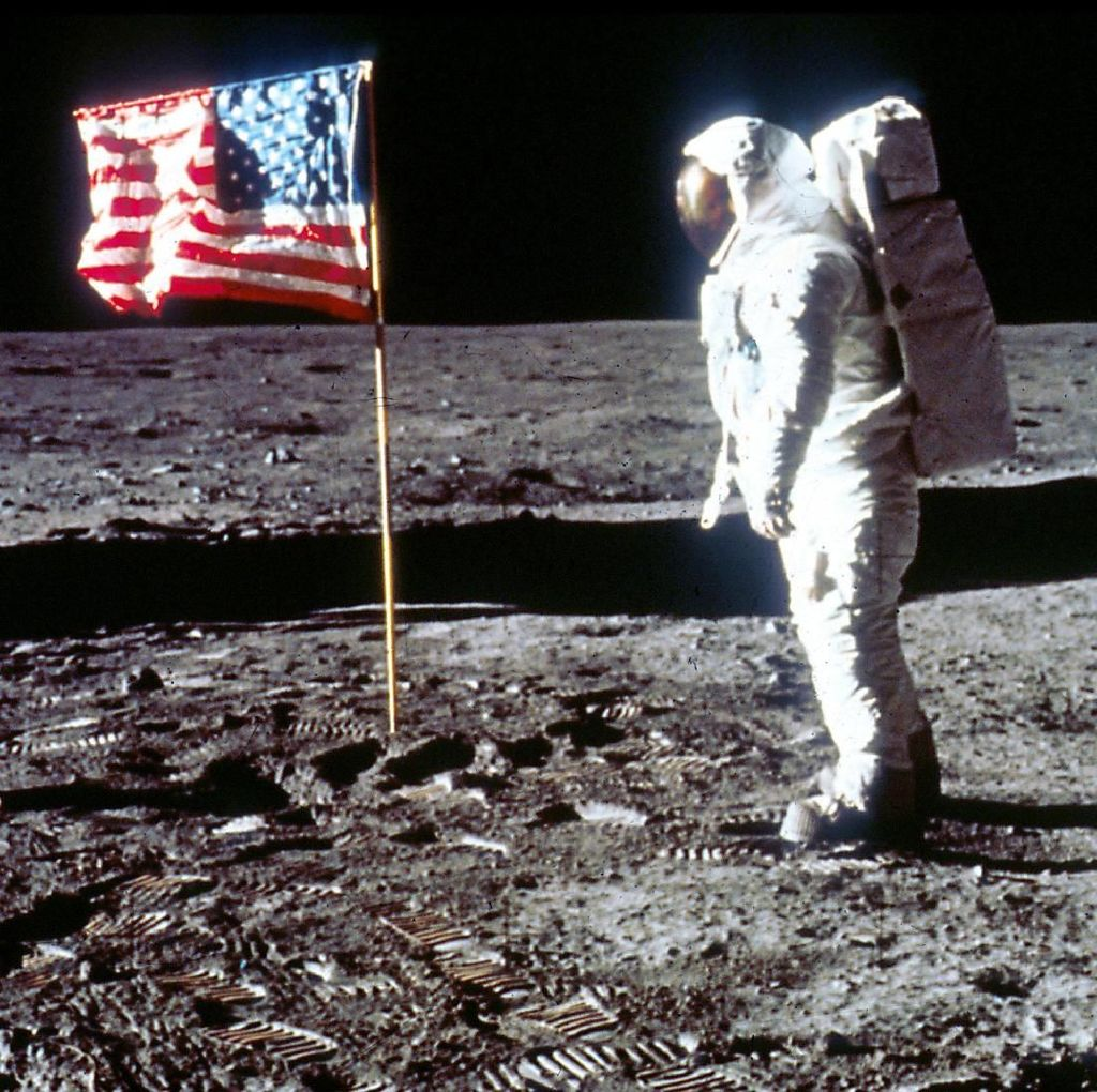 Ilmuwan NASA: Astronot Bisa Tinggal dalam Goa di Bulan