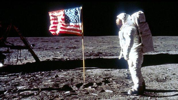 Merayakan 50 Tahun Manusia Pertama ke Bulan