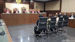Eni Saragih Ngaku Diminta Novanto Kawal Proyek PLN