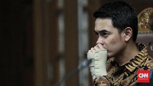 Gubernur nonaktif Jambi Zumi Zola di Pengadilan Tipikor Jakarta, 11 Oktober.