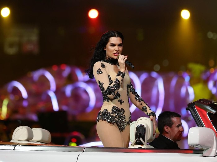 LONDON, ENGLAND - AUGUST 12:  Singer Jessie J during the Closing Ceremony on Day 16 of the London 2012 Olympic Games at Olympic Stadium on August 12, 2012 in London, England.  (Photo by Hannah Peters/Getty Images)