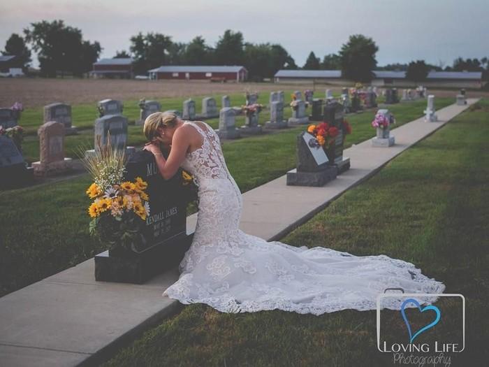 Jessica Padget menikah di kuburan kekasihnya. Foto: Dok. Loving Life Photography