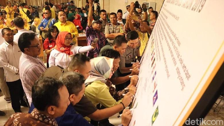 15 Parpol dan Polres Gresik Deklarasi Damai Jelang Pemilu