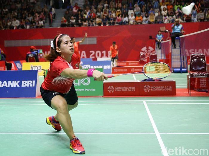 Para atlet Indonesia Oktila Leani Ratri meraih medali perak. Medali itu diraih Oktila dari cabang olahraga Bulu Tangkis Putri SL 4.