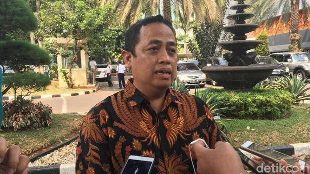 Guru Nelty Tak Doktrin Anti-Jokowi