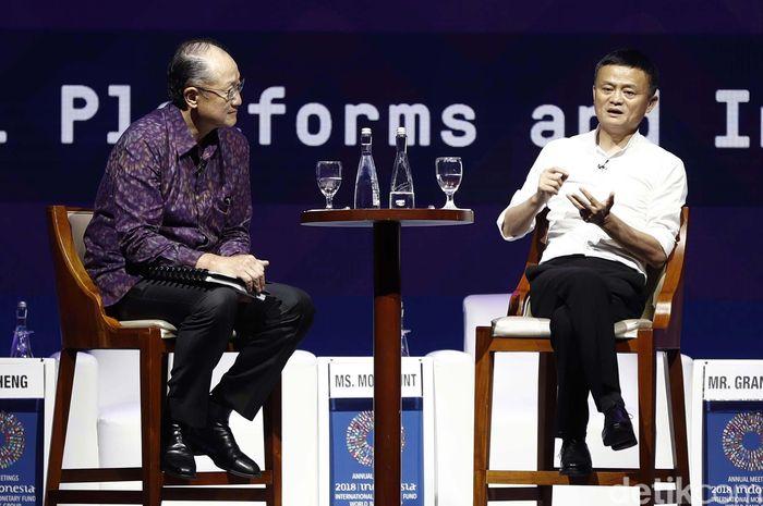 Orang terkaya di China sekaligus pendiri Alibaba Group, Jack Ma hadir dalam diskusi panel bertajuk Disrupting Development dalam ajang Pertemuan Tahunan International Monetary Fund (IMF)-World Bank Group (WBG) di Nusa Dua, Bali, Jumat (12/10/2018).