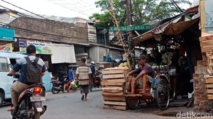 Pebecak Kecewa DPRD DKI Tolak Rencana Anies Legalkan Becak Lagi